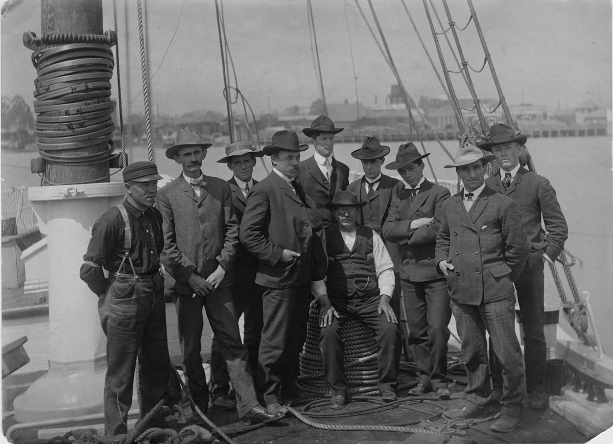 Crew-of-the-Academy-1905-expedition-sonoma.edu_